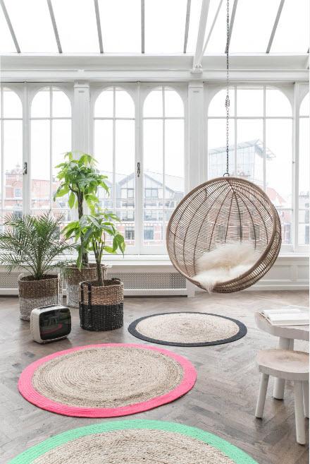 Круглое плетеное кресло-качели