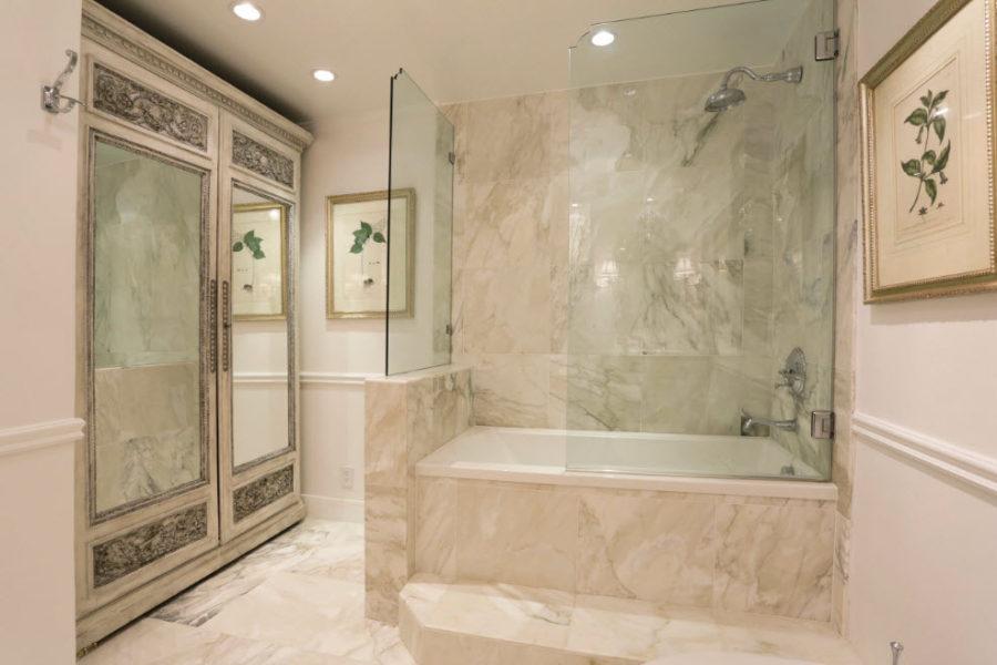 Дизайн ванной комнаты совмещенной с туалетом фото площадью