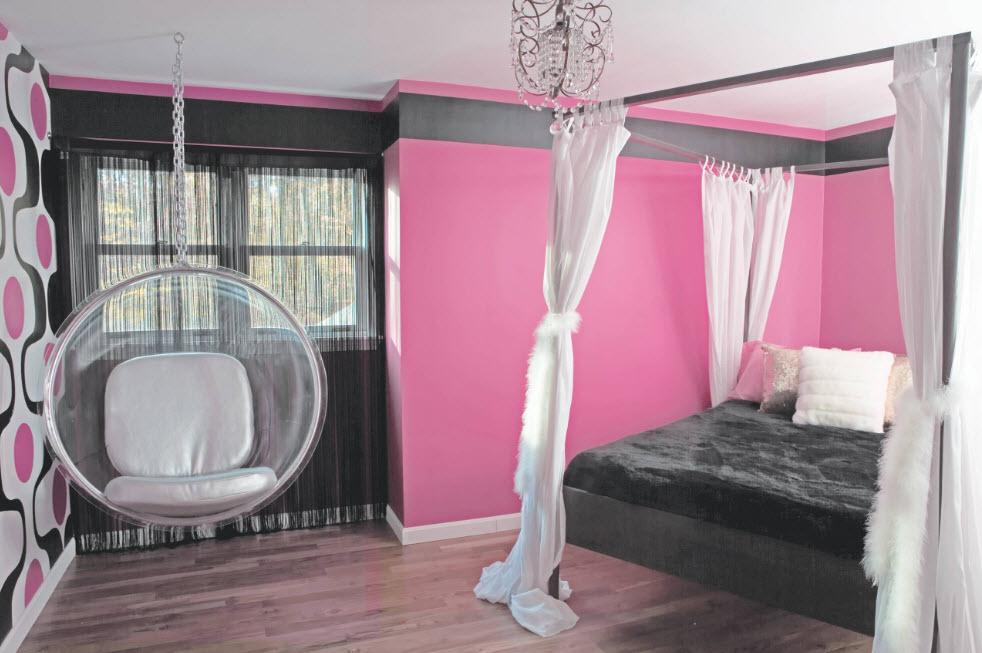 В серо-розовой палитре