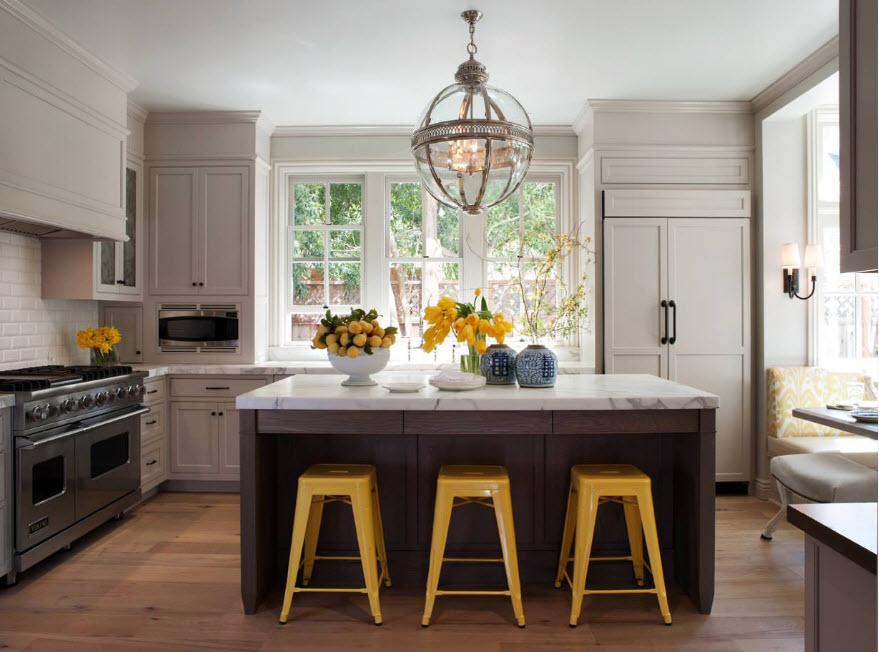 Светлые фасады кухни
