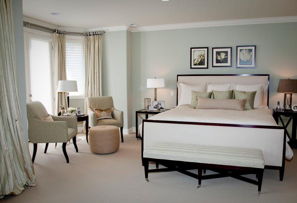 Контрасты в дизайне светлой спальни