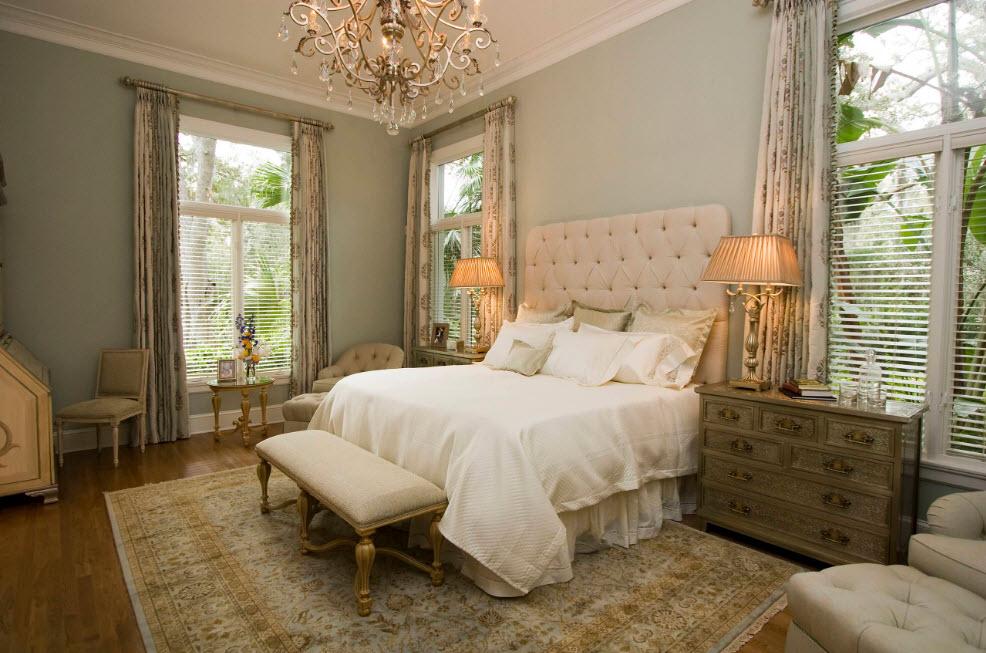 Классические мотивы в спальне