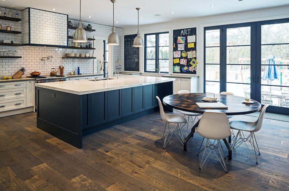 Кухонное пространство большой площади