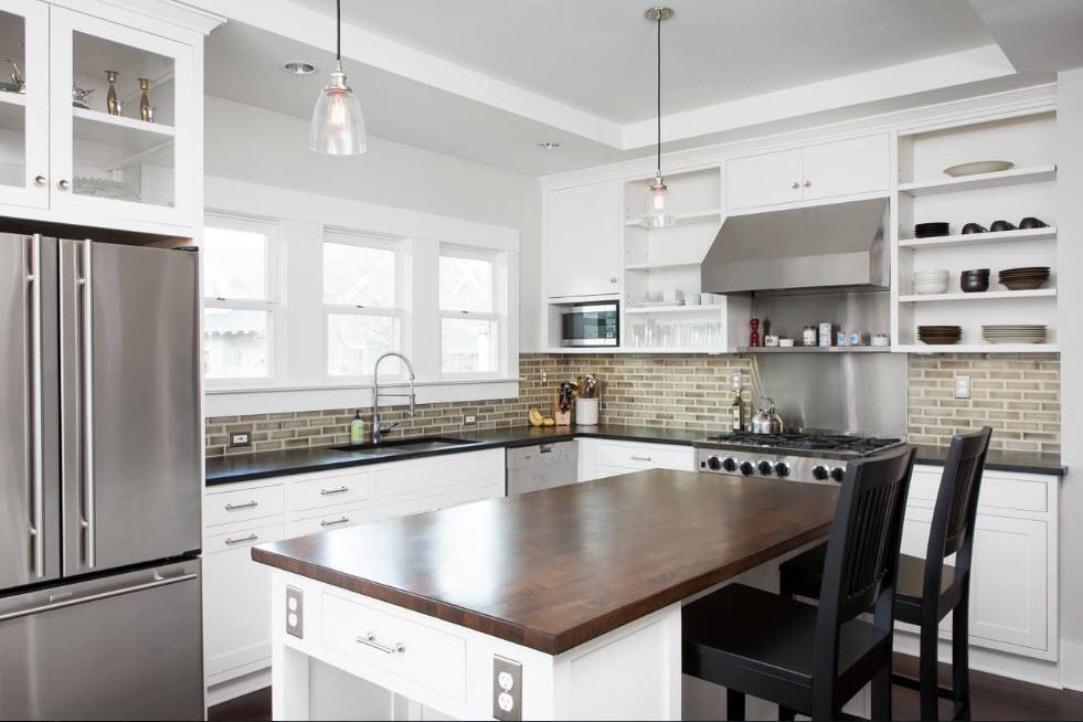 Два уровня на потолке для кухни