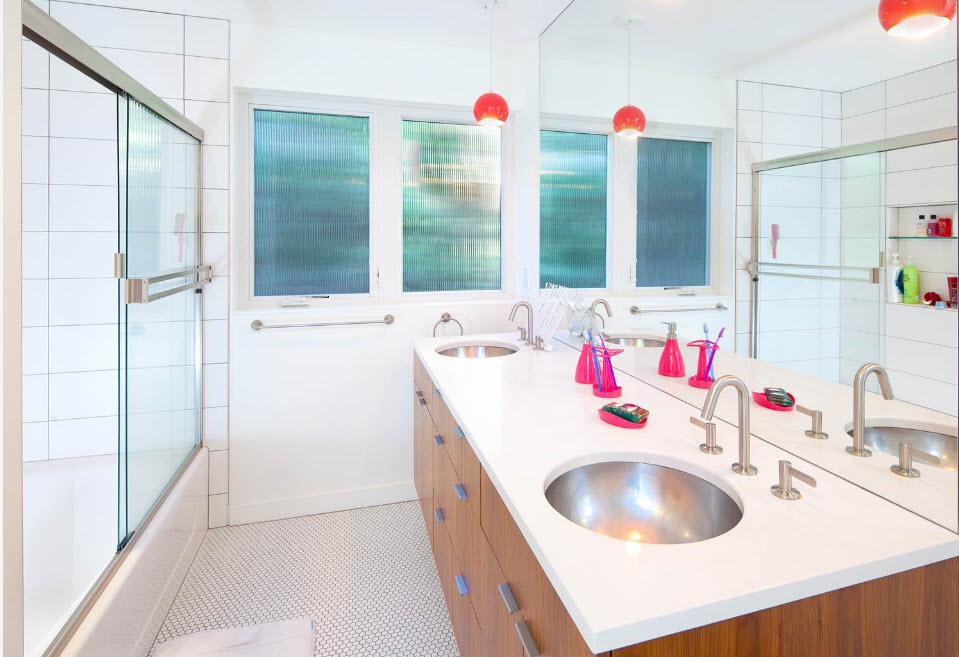 Стеклянные шторки в дизайне ванной