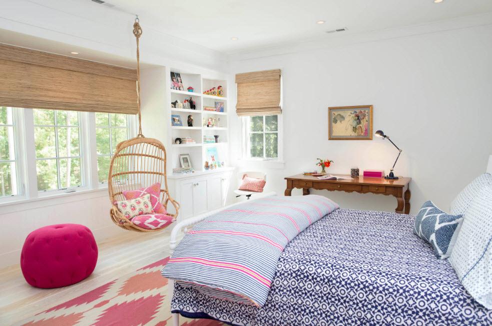 Кресло из лозы и бамбука