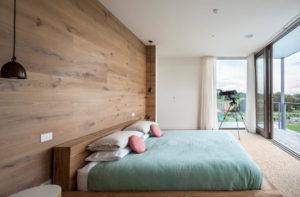 Состаренная древесина для оформления современного интерьера