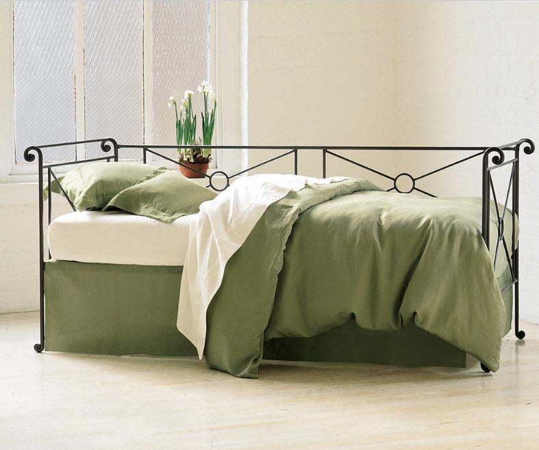 Нетривиальный дизайн кровати