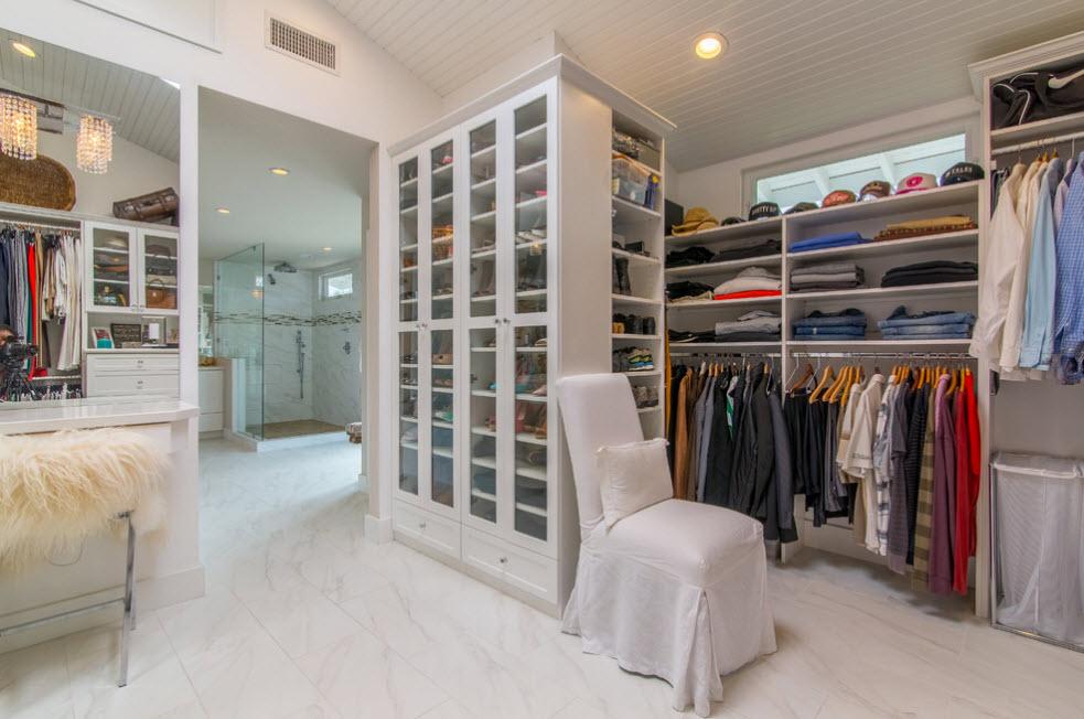 Стеллаж в гардеробной