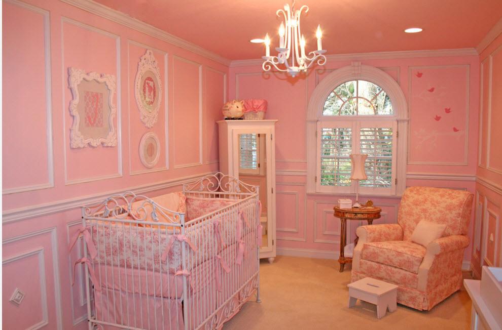 Детская в розовых тонах