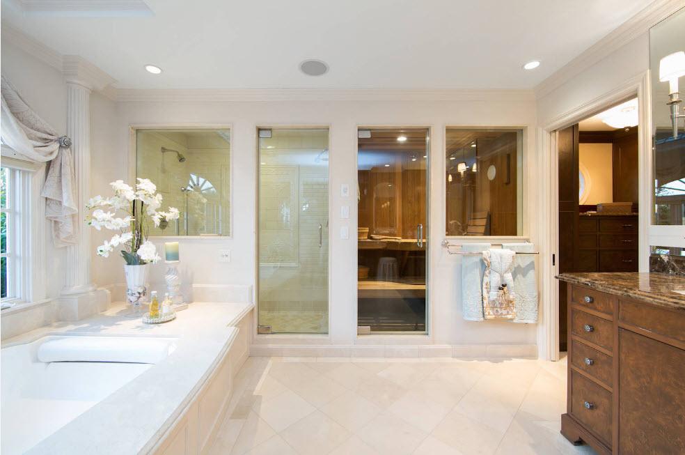 Парная в просторной ванной