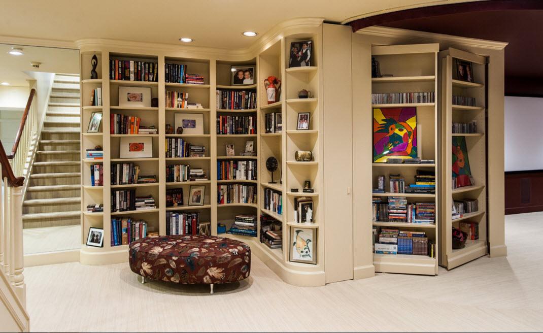 Масштабный книжный стеллаж
