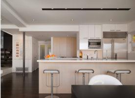 Беленый дуб в интерьере кухни
