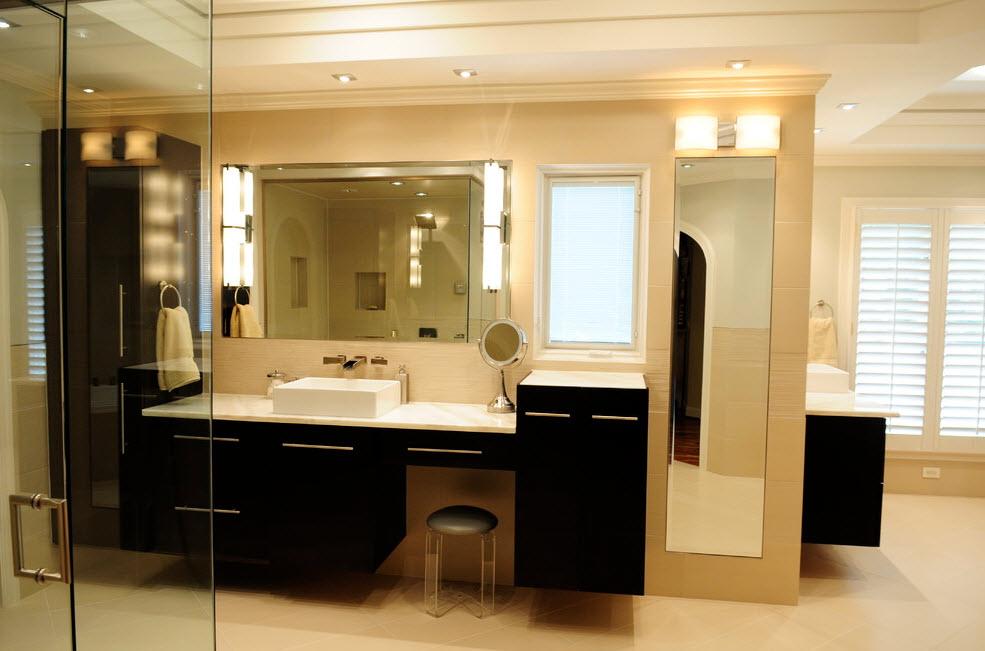 Контрастный дизайн ванной