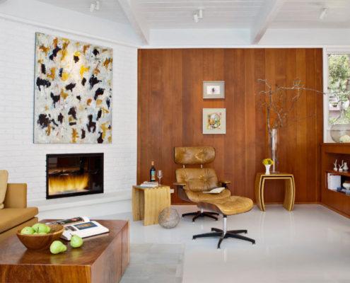 Использование стеновых панелей для отделки гостиной