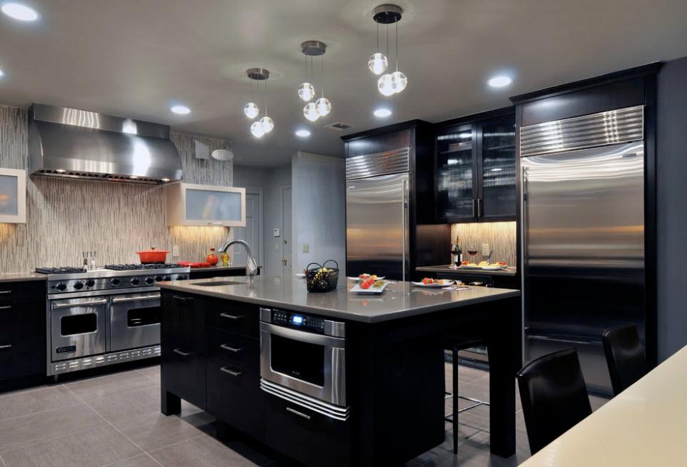 Два холодильника для большой кухни