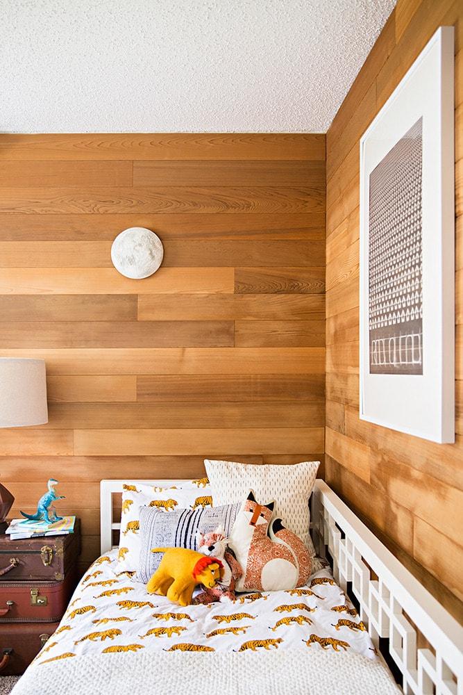 100 лучших идей дизайна: ламинат на стене на фото