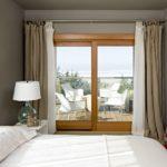 Льняные шторы — акцент на уютную природность интерьера