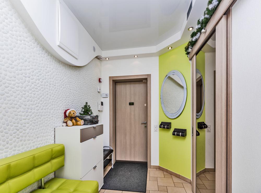 100 лучших идей: обои для прихожей и коридора в интерьере на фото