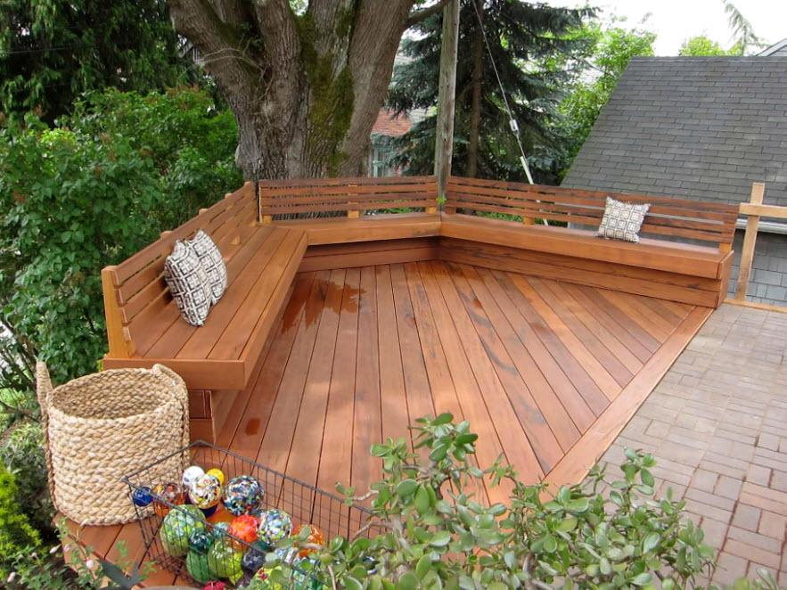 большая деревянная скамья