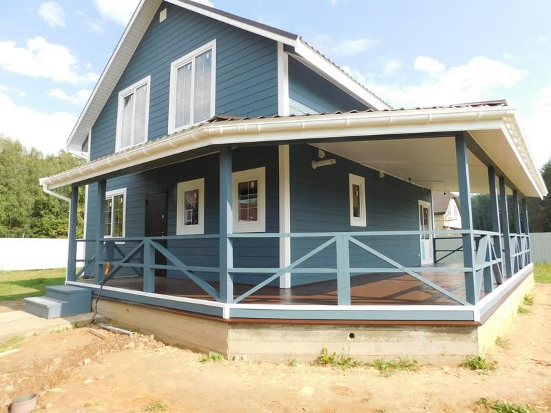 двухэтажная синяя дача