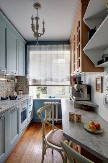 небольшая голубая кухня