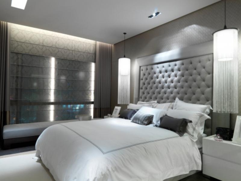 серые однотонные в спальной комнате