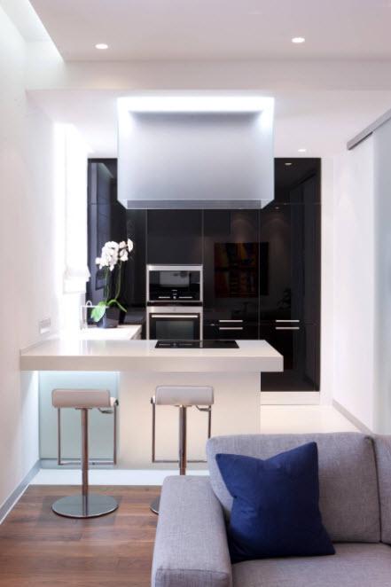 черная кухня-студия