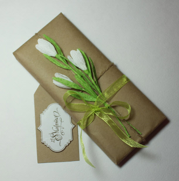Сделать цветы из крепированной бумаги своими руками фото 614