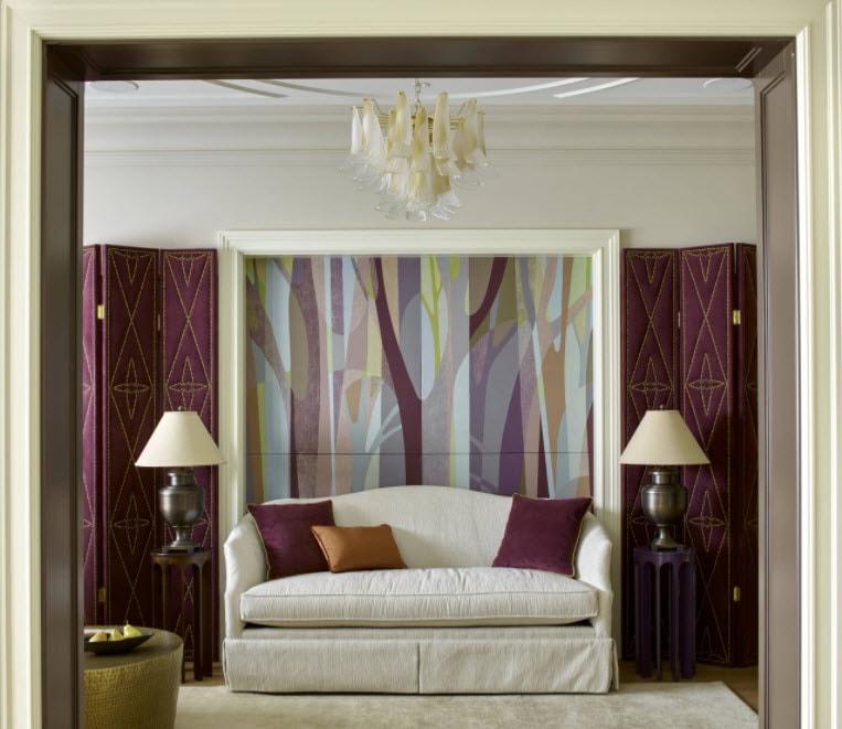 фиолетовые по углам комнаты