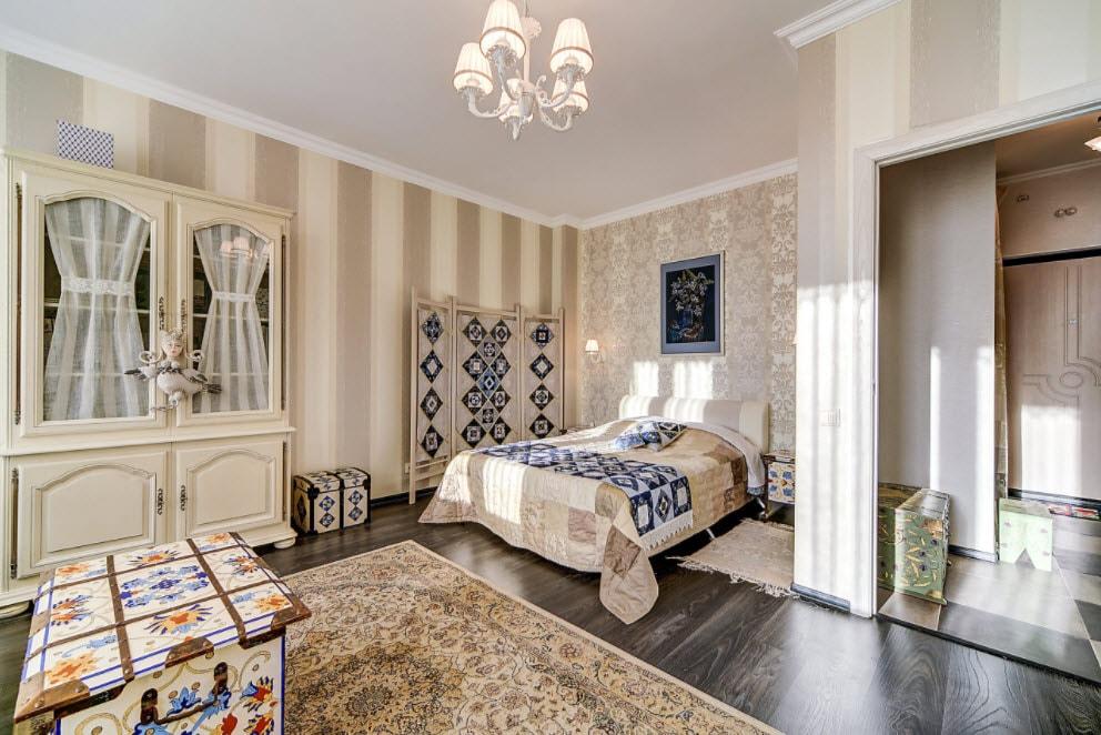 ширма в одном стиле с кроватью