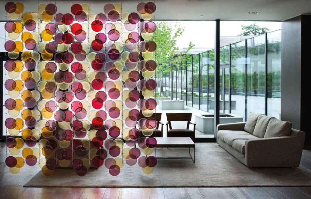разноцветное круглое стекло