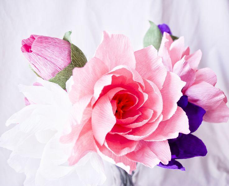 cvetu_iz_gofrirovannoj_bumagi_10