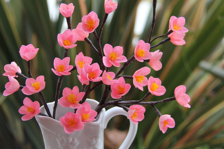 cvetu_iz_gofrirovannoj_bumagi_19