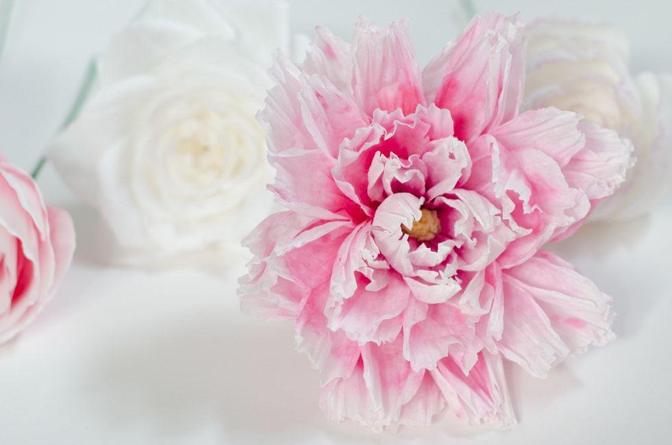 cvetu_iz_gofrirovannoj_bumagi_31