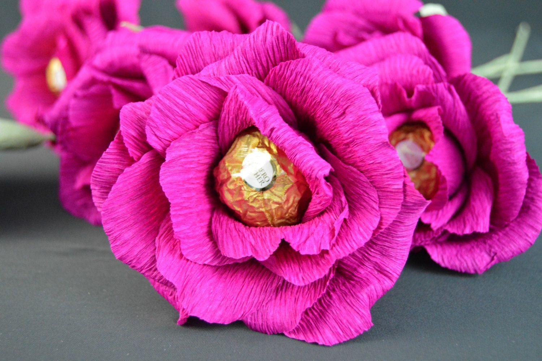 Цветы из гофрированной бумаги своими руками с конфетами мастер-класс