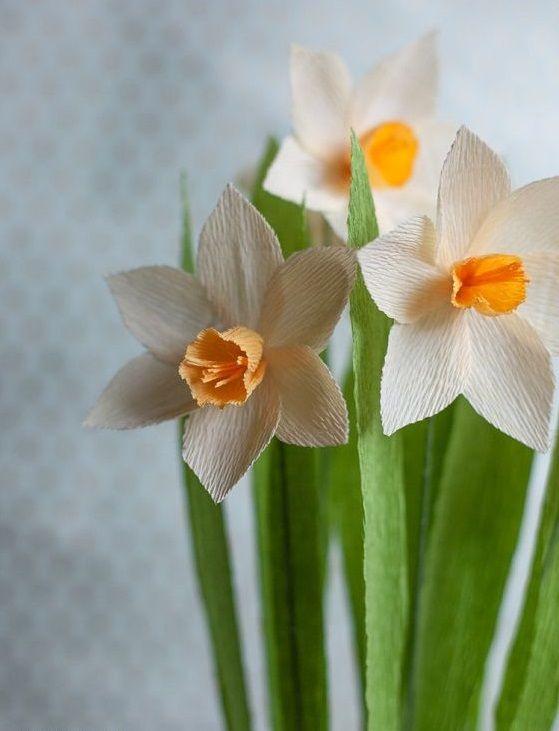 cvetu_iz_gofrirovannoj_bumagi_79