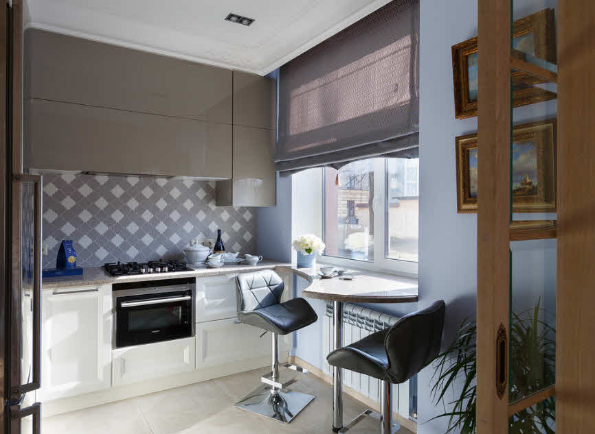 сиреневые крашеные стены на кухне