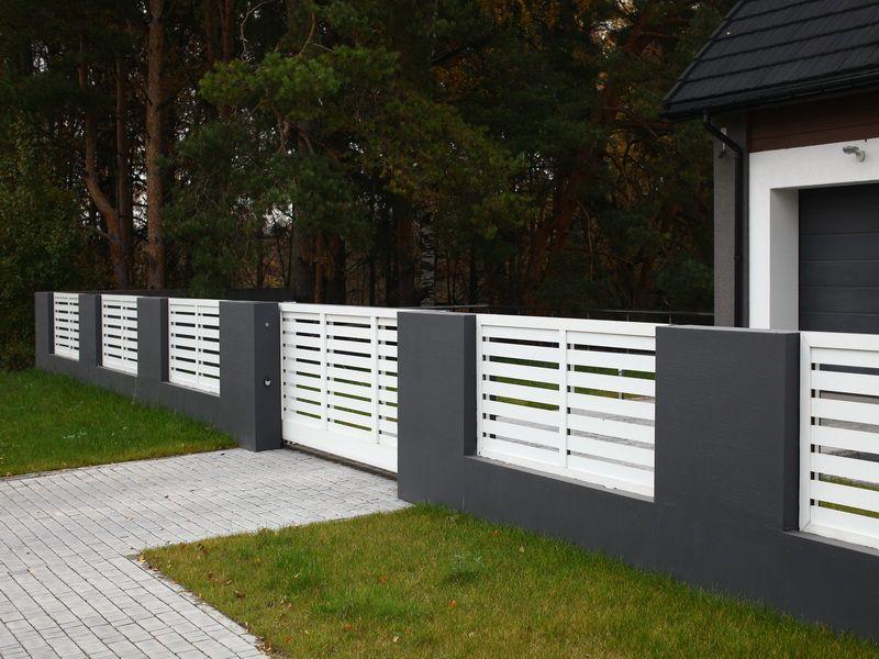 бело-серый забор