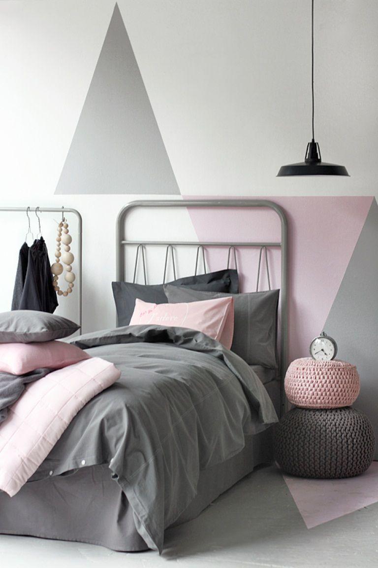 геометрические фигуры на стене