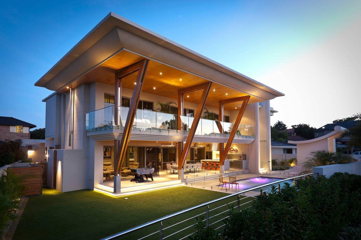 двухэтажный дом со сдвинутой крышей