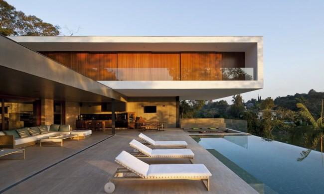 дом с бассейном в стиле модерн
