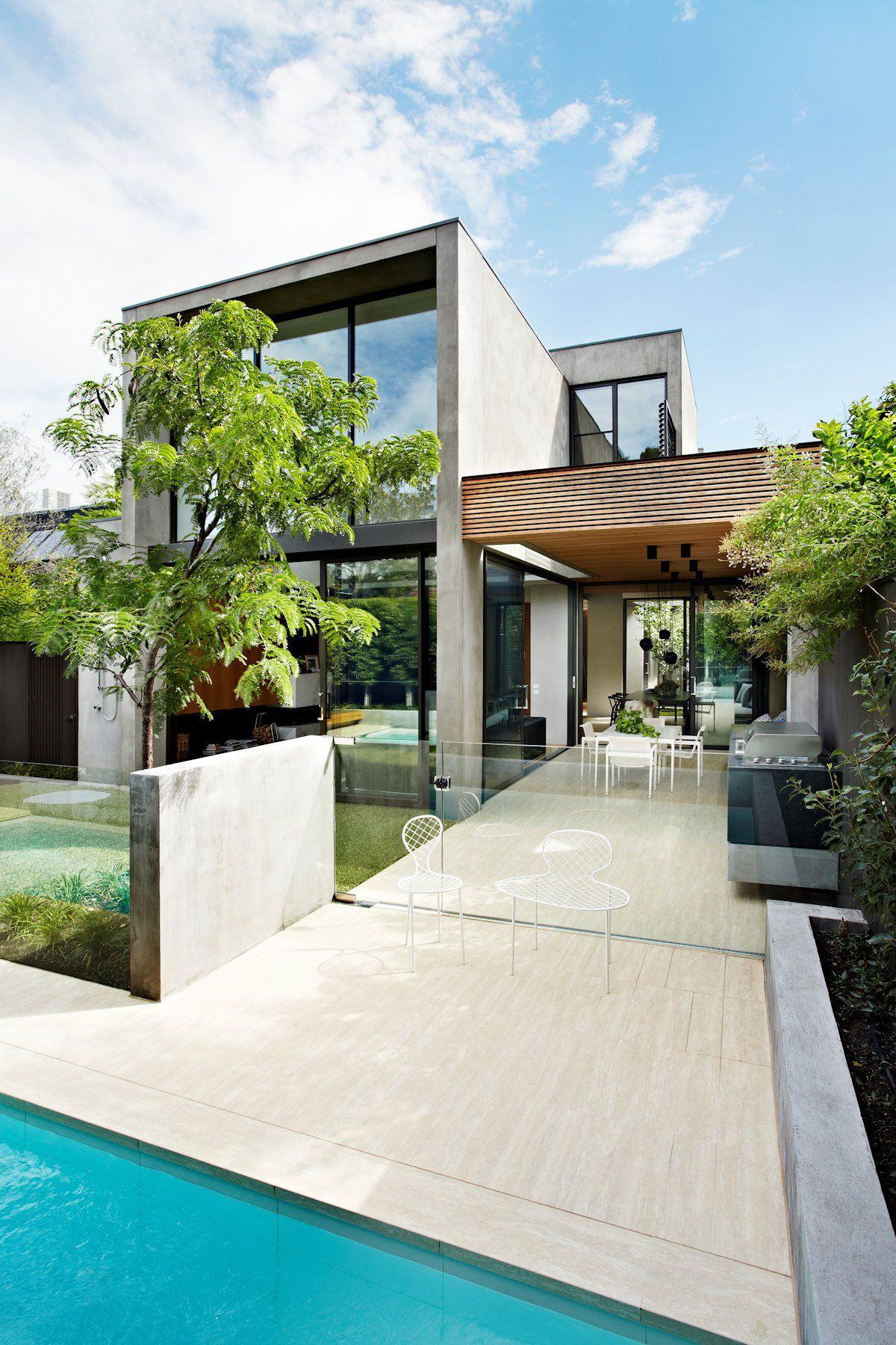 дом с необычным фасадом