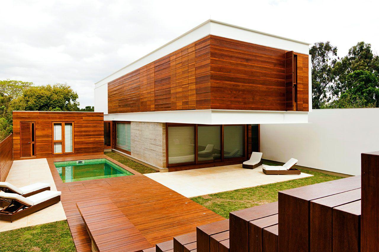 загородный дом из древесины