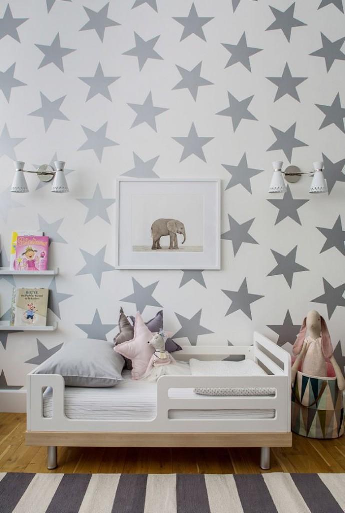 звезды на стене