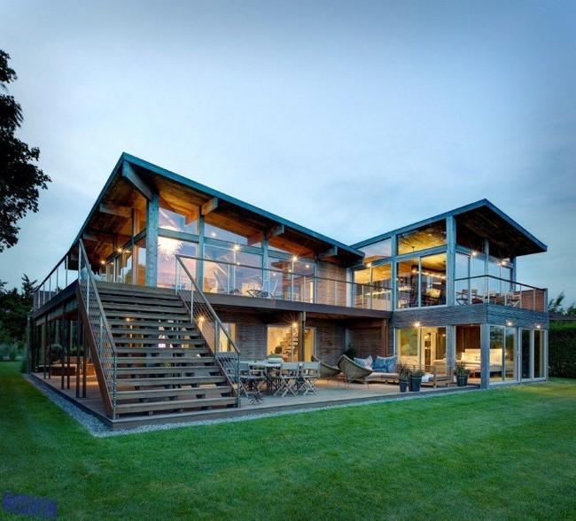 каркасный дом со стеклянными стенами