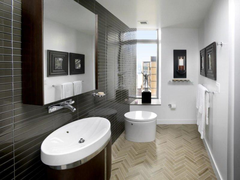 небольшая черная ванная