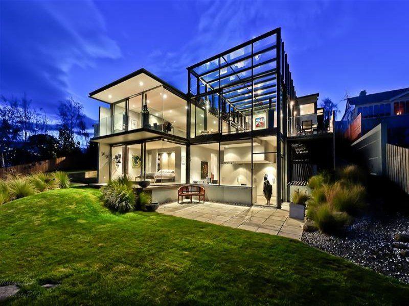 оригинальный дизайн двухэтажного дома