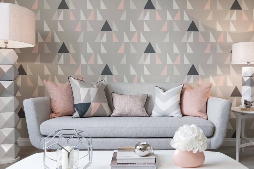 серые с треугольниками
