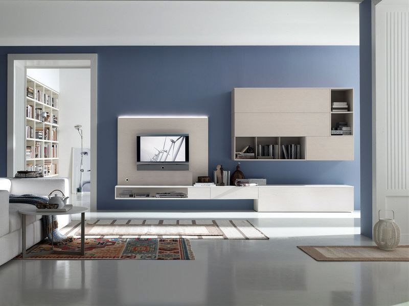 синие стены с белой мебелью